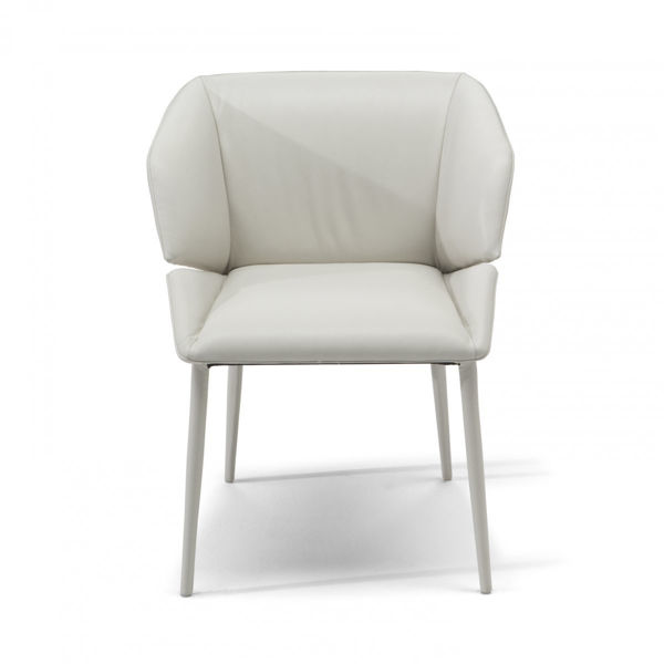Picture of Natuzzi Italia Rose dining chair in warm white leather cover.