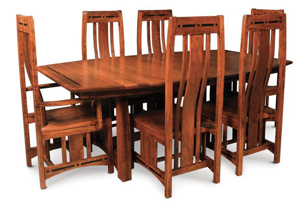 Picture of Aspen dinint Table with 4 Leaves